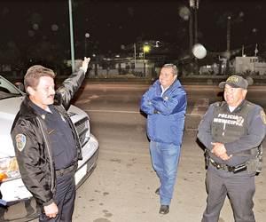 """Oficiales de Seguridad Pública Municipal describen el OVNI que """"persiguieron"""" anoche."""