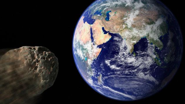 asteroide-se-acerca-a-la-tierra