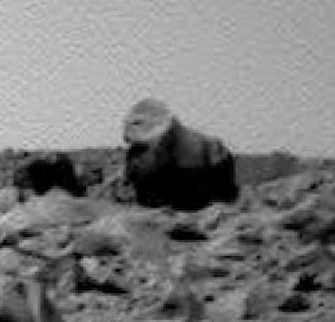 Extraña figura en forma de gorila en Marte