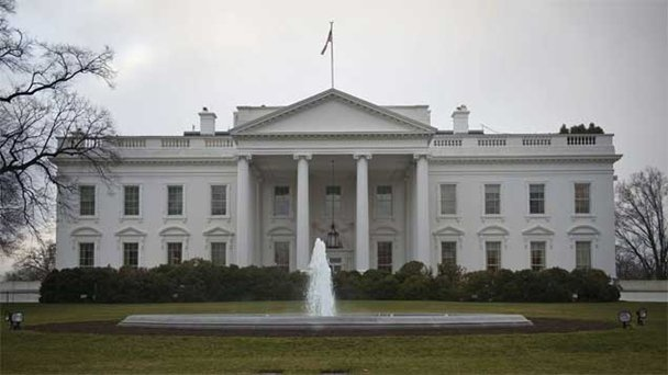 El Gobierno de Estados Unidos trata de calmar a la población asustada