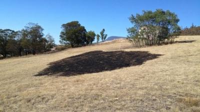 Haz de luz cae sobre terreno en Tasmania