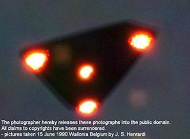 OVNI captado en Bélgica...¿TR-3B?