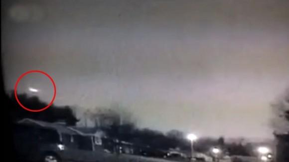 """El extraño destello en el cielo que ha sido avistado la pasada noche por los ciudadanos de la costa este de EE.UU. fue la caída de """"un meteorito"""", según confirmó la NASA."""