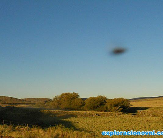 Foto enviada: OVNI aparece en fotografía tomada en Sierra de la Ventana, Argentina