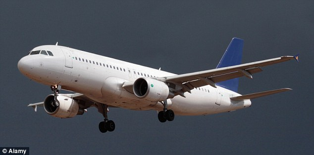 Airbus con 220 personas a bordo estuvo a punto de chocar con un OVNI
