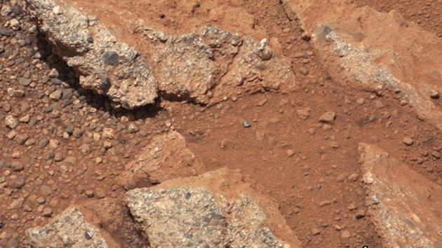 Curiosity descubre rastro de un antiguo río en Marte