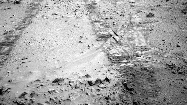 El Curiosity inicia un épico viaje hacia una montaña marciana