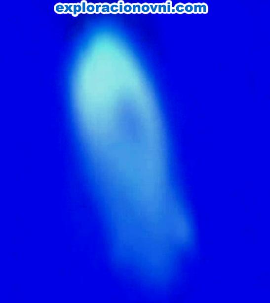 La misma imagen N° 3, pero alterada en brillo y contraste, deja ver el mismo agujero que vimos en la imagen anterior