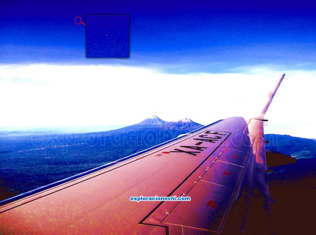Fotografía tomada desde el vuelo A503 de Aeroméxico y que además de mostrar un bello paisaje muestra una esfera luminosa en la parte alta