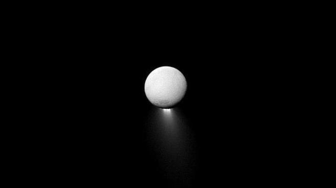Geiser en Encelado