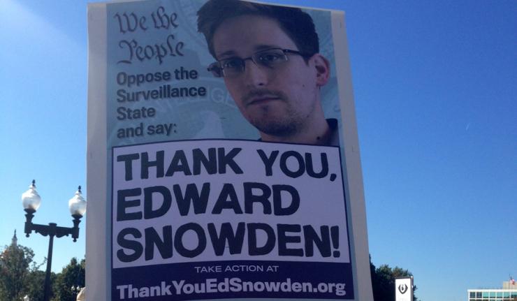Continúa el caso Snowden entre faltas a la libertad de prensa y persecuciones de la inteligencia británica