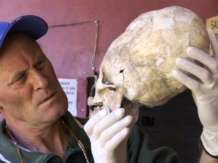 Brien Foerster - Desentrañar la Genética de cráneos alargados