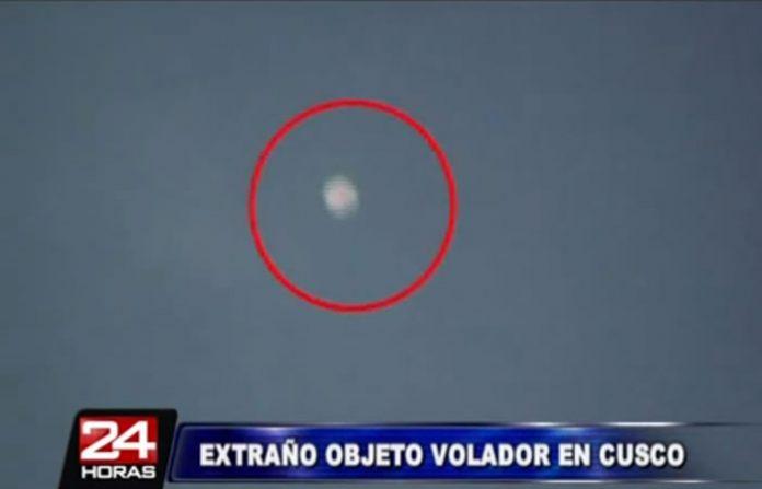 Objeto luminoso desconocido captado sobre Cusco
