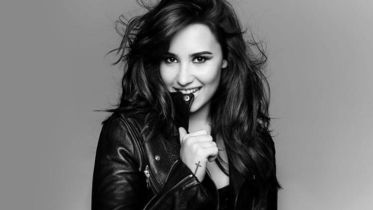 Demi Lovato cree en los alienígenas y en las sirenas