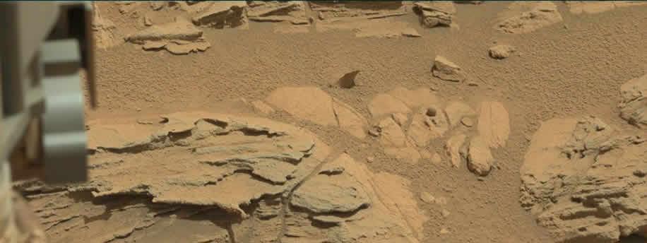 Curiosity fotografía una extraña roca esférica en Marte