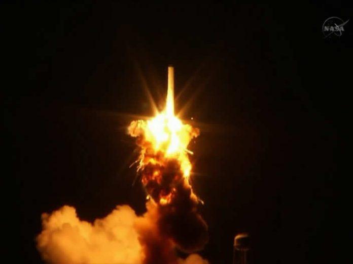 Explota cohete de NASA con destino a Estación Espacial Internacional