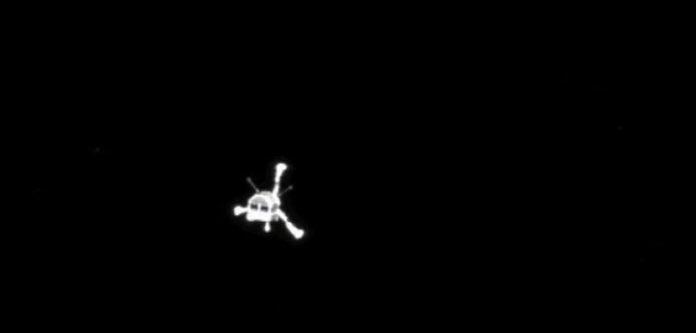 Histórica imagen de Philae vista desde la cámara OSIRIS de Rosetta poco después de la separación (ESA/OSIRIS/Rosetta).