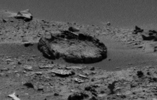 ¿Formación circular de rocas en Marte?