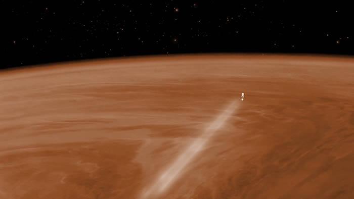 Concepción artística de Venus Express haciendo una maniobra de frenado aéreo en la atmósfera en 2014.