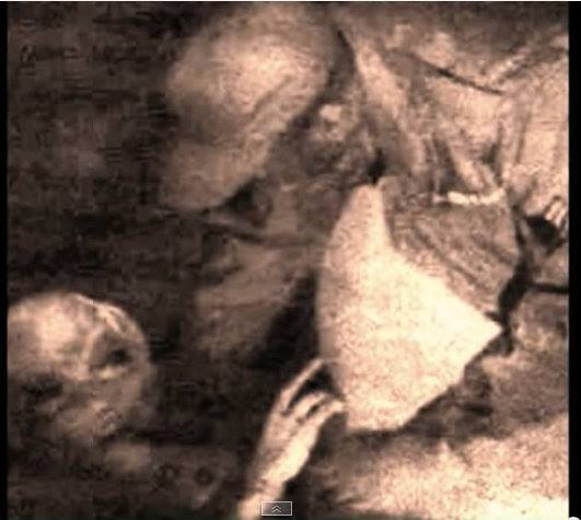 El investigador Marco Inzunza, de Vigilancia Ovni Tijuana, ha dicho que esta imagen pertenece a la misma serie de la primera diapositiva mostrada.