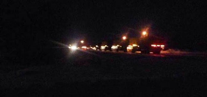 Fotografía de operativo nocturno de militares canadienses en el lago. Se cree que estarían
