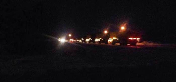 """Fotografía de operativo nocturno de militares canadienses en el lago. Se cree que restarían """"limpiando"""" la zona OVNI"""