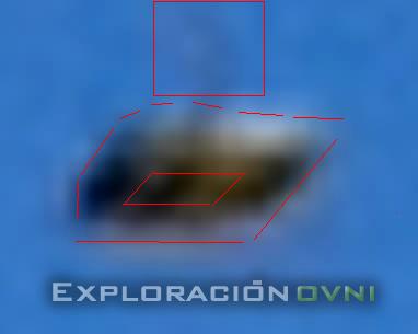 Objeto muestra forma rectangular, un color claro en la base y un ligero abultamiento en la parte superior.
