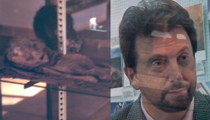 Donald Schmitt habría aceptado públicamente que el ser mostrado en la diapositiva en Be Witness es una momia.