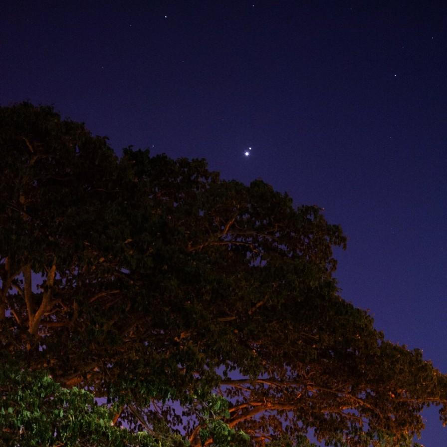 Los planetas Venus y Júpiter vistos desde Cabo Rojo, PR por José H. Laboy, de la SAC.
