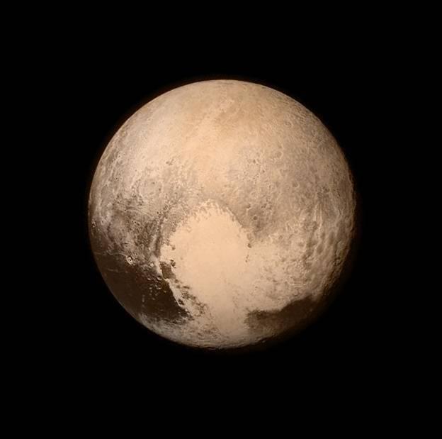 La región más brillante de Plutón llamó inmediatamente la atención por su forma de corazón.