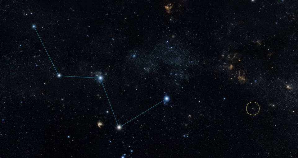 Este mapa del cielo muestra la ubicación de la estrella HD 219134 (círculo), la cual alberga el exoplaneta rocoso más cercano confirmado hasta el momento. La estrella se localiza a un lado de la 'W' que forma la constelación de Casiopea, fácilmente visible a ojo desnudo en el firmamento nocturno. (VER VÍDEO MÁS ABAJO).