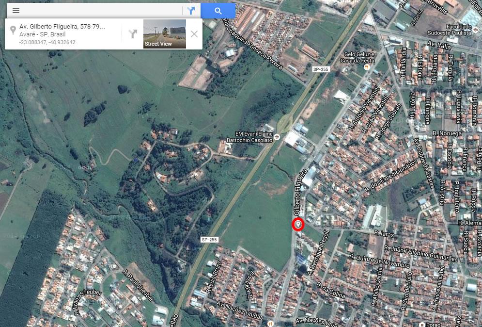 El círculo rojo indica la ubicación del testigo en el momento de la captura de las imágenes.