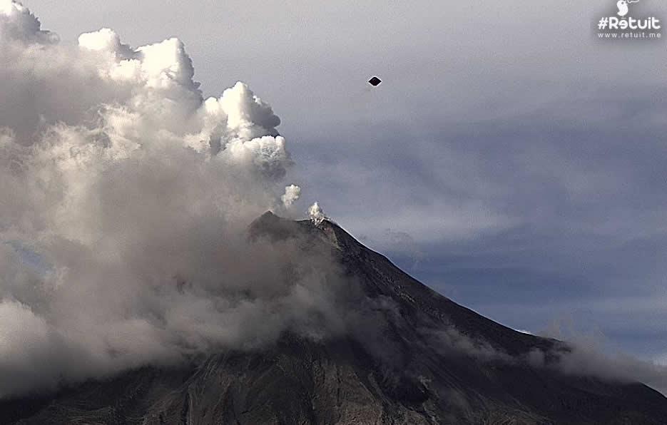 Extraño objeto con forma de rombo sobre el volcán Colima