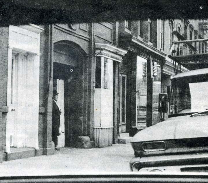Fotografía tomada a un supuesto Hombre de Negro. Fecha: mayo de 1968.