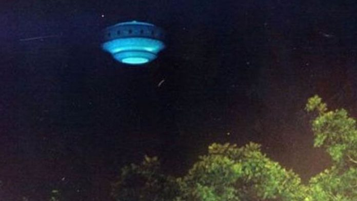 ¿Es esta una fotografía real de un OVNI sobre Florida?