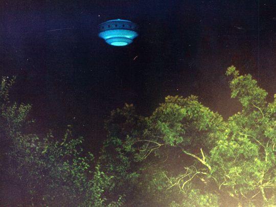 Según informaciones, un fotógrafo de Pensacola News Journal habría usado un modelo para «fabricar» esta foto OVNI