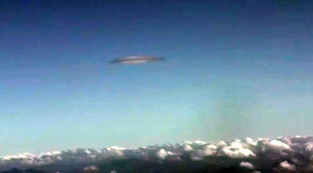 Fotografían un objeto anómalo desde avión de pasajeros en China